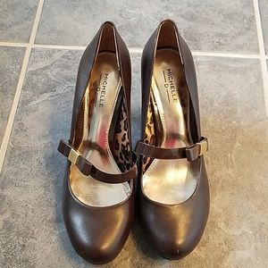 Brown closed toed heels
